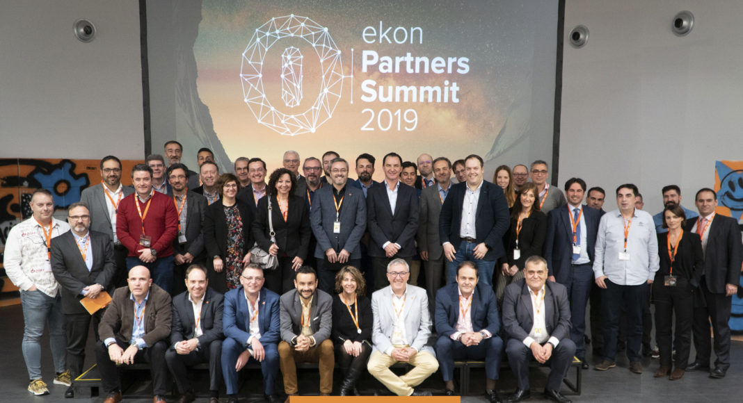 Las ventas a través del canal - Newsbook - ekon - Madrid España