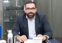 Mayoristas AV- Newsbook - MCR - Debate - cartelería digital - Madrid España