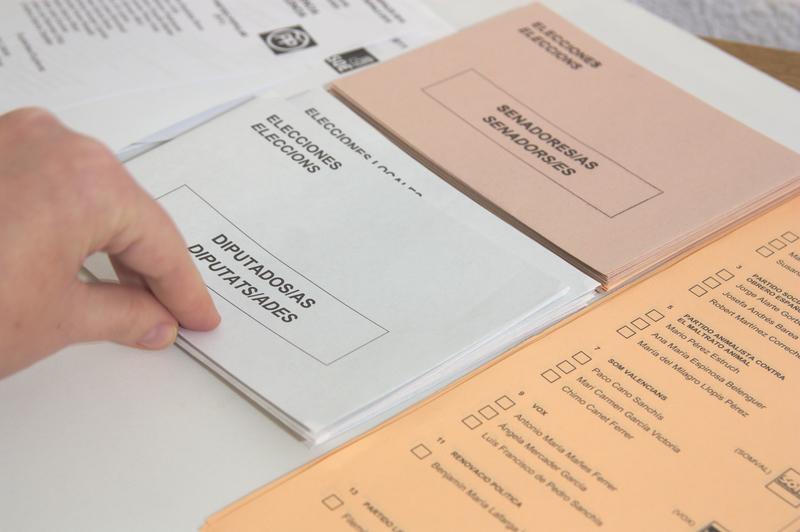 Tecnología y la economía digital - Newsbook - Campaña Electoral - Madrid España