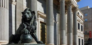 Consenso Político - Newsbook - Vota y opina - digitalización España