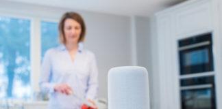Mujeres Europeas- DLink, Newsbook - Dispositivo para el hogar