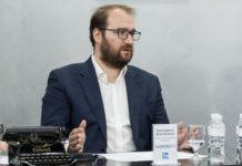 especialización - Newsbook - Madrid - España