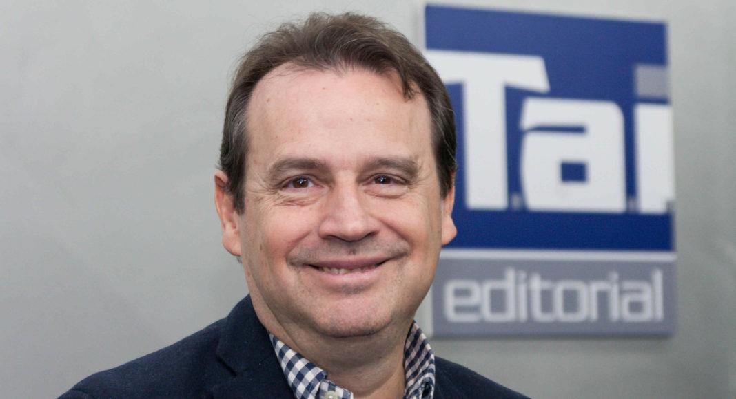 Emilio Dumas - Newsbook - Tai Editorial - España