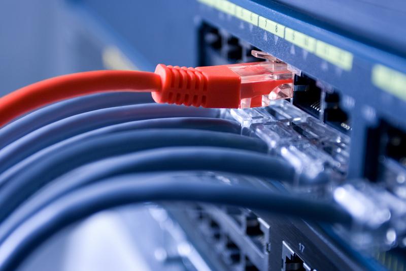 Conectividad digital - Newsbook - España digital 2025 - Eje 1 - Tai Editorial - España