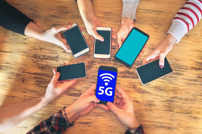 5G - Newsbook - Subasta - banda 700 MHz - Tai Editorial - España